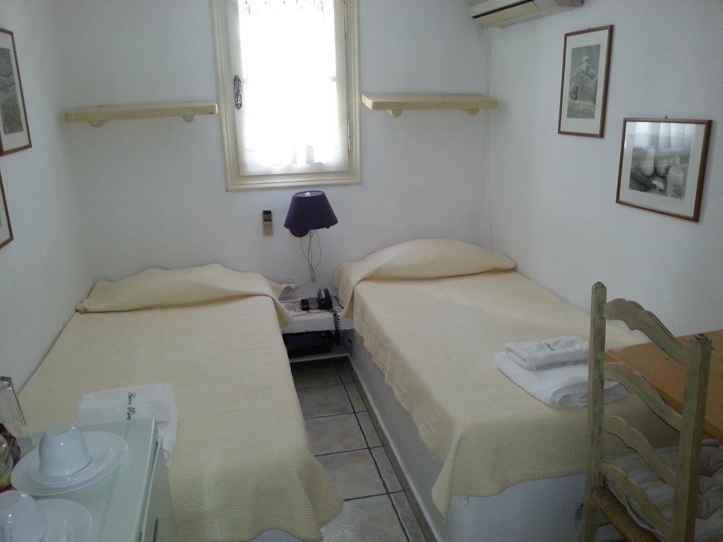 renovation v randa gironde. Black Bedroom Furniture Sets. Home Design Ideas